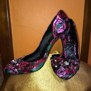 Betseyville by Betsey Johnson Heels